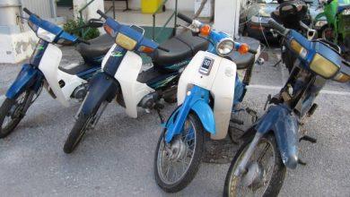 Απομακρύνει εκατοντάδες εγκαταλελειμμένα μηχανάκια ο Δήμος Αθηναίων.