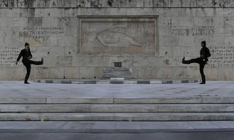 Συγκλονίζει η αλλαγή φρουράς για την Ημέρα Μνήμης της Γενοκτονίας των Ελλήνων του Πόντου (vid)