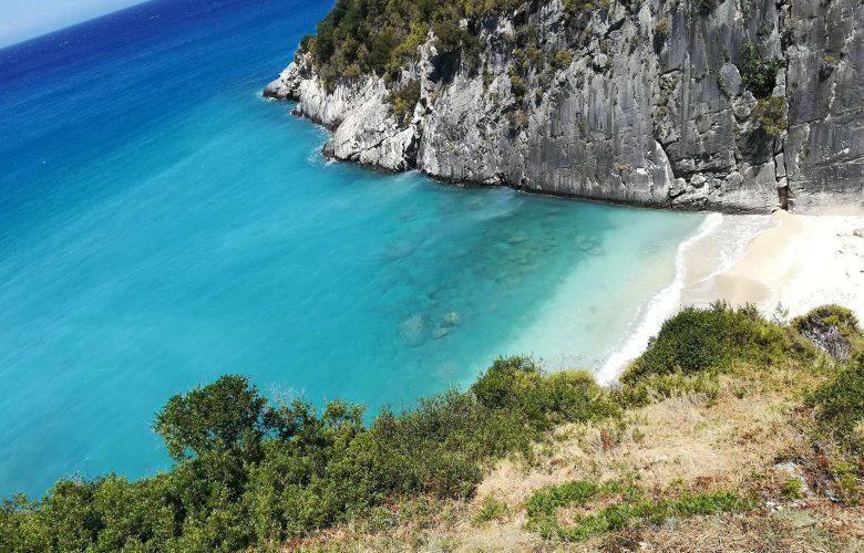 «Μένουμε ασφαλείς, απολαμβάνουμε Ελλάδα» το μήνυμα του νέου σποτ για τον Τουρισμό
