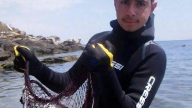 13χρονος στη Θεσσαλονίκη καθαρίζει τον βυθό από πλαστικά και άλλα αντικείμενα