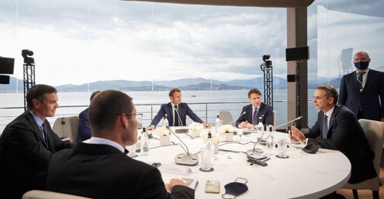 Συνάντηση Κυριάκου Μητσοτάκη με Emmanuel Macron